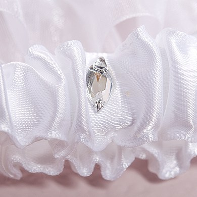 Beverly Clark The Crowned Jewel Collection Garter Set
