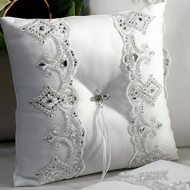 Beverly Clark Royal Lace Collection Ring Pillow