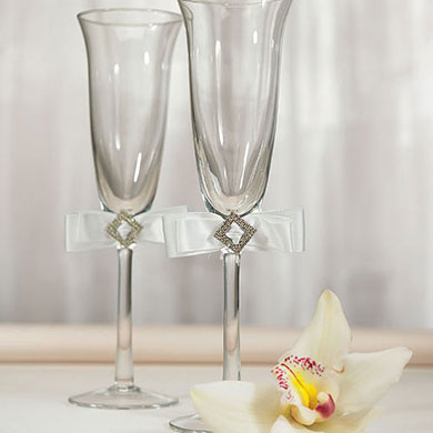 Wedding Accessory Pure Elegance in White Toasting Set