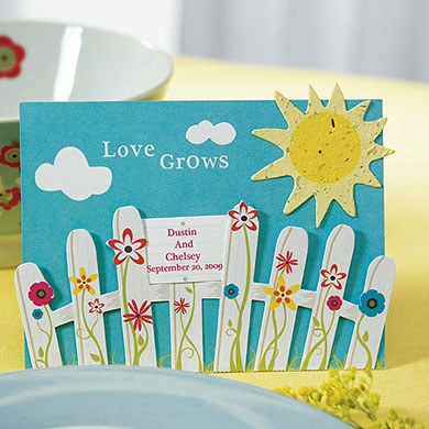 Love Grows Picket Fence with Seeded Paper Sun Wedding Favor